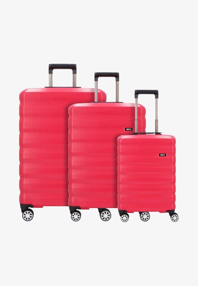 SET 3 - Kofferset - cherry