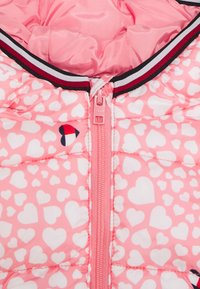Tommy Hilfiger - BABY PRINTED PUFFER JACKET - Giacca invernale - pink - 2