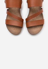 Mustang - Wedge sandals - cognac - 5