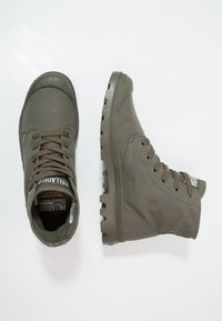 Palladium - MONO CHROME - Veterboots - olive night - 1