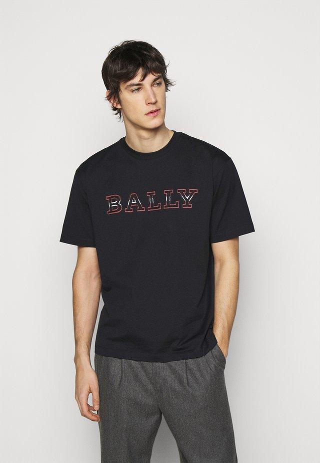 T-shirt print - ink