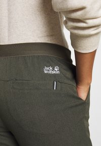 Jack Wolfskin - WINTER PANTS - Pantalon classique - granite - 5