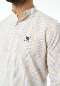 Auden Cavill - Formal shirt - hellgelb - 6