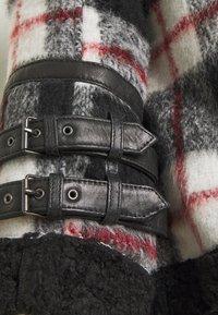Be Edgy - LESTER - Light jacket - black/white - 4