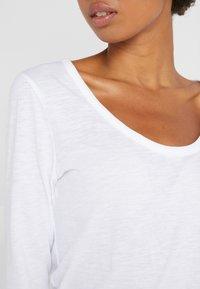 J.CREW - WHISPER SCOOP NECK - Long sleeved top - white - 5