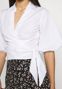 Miss Selfridge - BLOUSON WRAP - Blouse - white - 5
