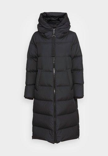 PUFFER COAT FIX HOOD WELT POCKETS BACKPACK STRAPS  - Down coat - black