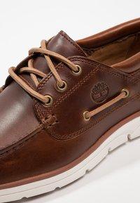 Timberland - BRADSTREET 3 EYE - Chaussures bateau - sahara brando - 5