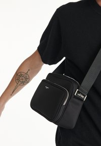 The Kooples - SAC UNISEX - Across body bag - black - 2