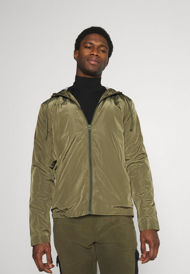 PERCY - Summer jacket - ivy green