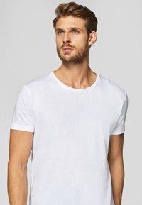 Esprit - 2 PACK - T-shirt basic - white - 4