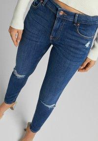 Bershka - PUSH UP - Jeans Skinny Fit - blue - 3