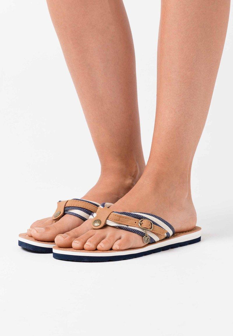 s.Oliver - SLIDES - Sandály s odděleným palcem - navy