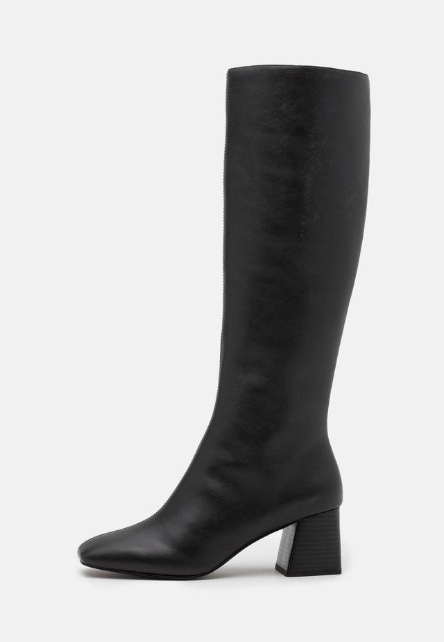 VEGAN PATTIE BOOT - Stivali alti - black