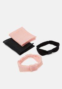 WAUW CAPOW by Bangbang Copenhagen - BOW HEADBAND 2 PACK - Akcesoria do stylizacji włosów - pink/black - 2