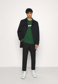 Lacoste - TH1868 - T-shirt imprimé - dark green - 1