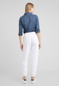 Polo Ralph Lauren - SEASONAL  - Träningsbyxor - white - 2