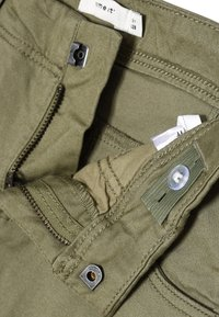 Name it - NITBAMGO  - Cargo trousers - deep lichen green - 3