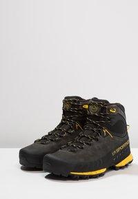 La Sportiva - TX5 GTX - Vysoká chodecká obuv - carbon/yellow - 2