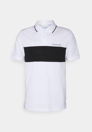 COLOR BLOCK LOGO SLIM - Polo shirt - bright white