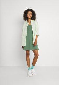 Even&Odd - Sukienka z dżerseju - light green - 1