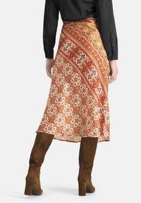 Nicowa - EXTRAVAGANTER MIT ETHNO-MUSTER - SLIWA - A-line skirt - orange - 2