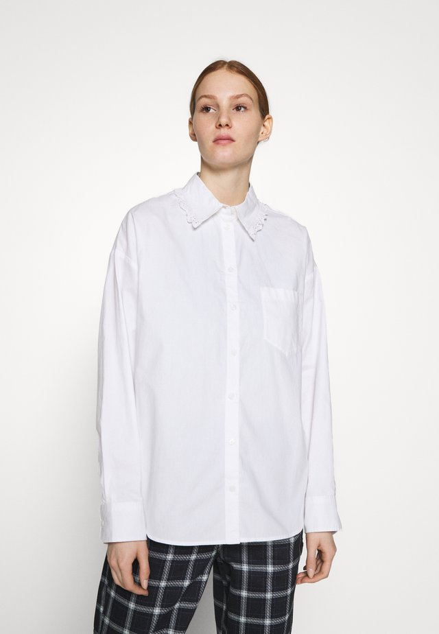 MEJA FANCY SHIRT - Button-down blouse - white solid