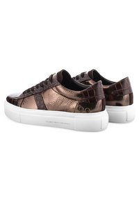 Kennel + Schmenger - Trainers - bronze - 1