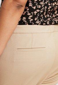 Lauren Ralph Lauren Woman - LYCETTE PANT - Trousers - birch tan - 5