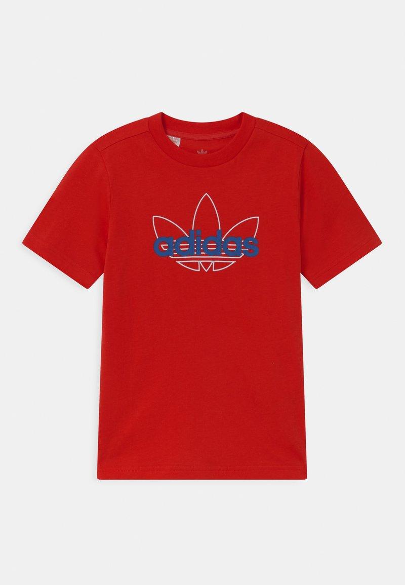 adidas Originals - OUTLINE TREFOIL UNISEX - Print T-shirt - vivid red