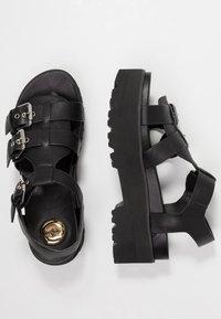 Buffalo - ELMA - Sandály na platformě - black - 3