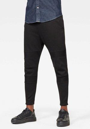 MOTAC SLIM TAPERED - Pantaloni - dk black