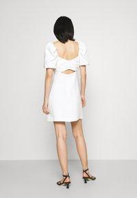 Cinq à Sept - ODELE DRESS - Korte jurk - ivory - 2