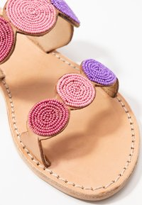 laidbacklondon - SANI FLAT - Pantofle - light brown/rose - 2