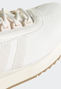 adidas Originals - SL ANDRIDGE SPORTS INSPIRED SHOES - Trainers - cwhite/cwhite/goldmt - 6