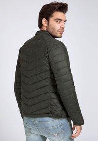 Guess - Light jacket - schwarz - 2