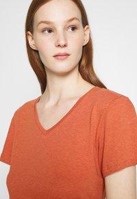 Zign - Basic T-shirt - light red - 3