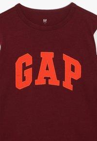 GAP - BOY LOGO TEE - Bluzka z długim rękawem - red delicious - 4