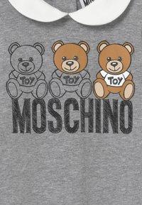 MOSCHINO - BABYGROW GIFT BOX - Pyjamas - grey melange - 3