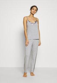 LASCANA - LASCANA SHINY - Pyjama top - grey melange - 1