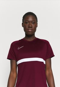 Nike Performance - DRY - T-Shirt print - dark beetroot/white - 3
