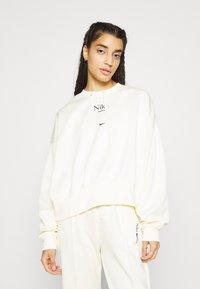 Nike Sportswear - Sudadera - coconut milk - 0