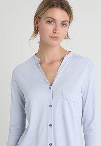 Hanro - PURE ESSENCE SET - Pyjama set - blue glow - 3