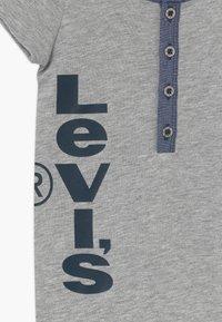 Levi's® - HENLEY ROMPER - Combinaison - grey heather - 4