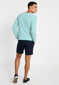 Tommy Hilfiger - BROOKLYN LIGHT BELT - Shorts - blue - 2
