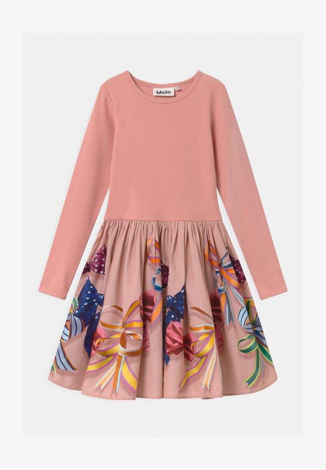 CASIE - Jerseykleid - light pink