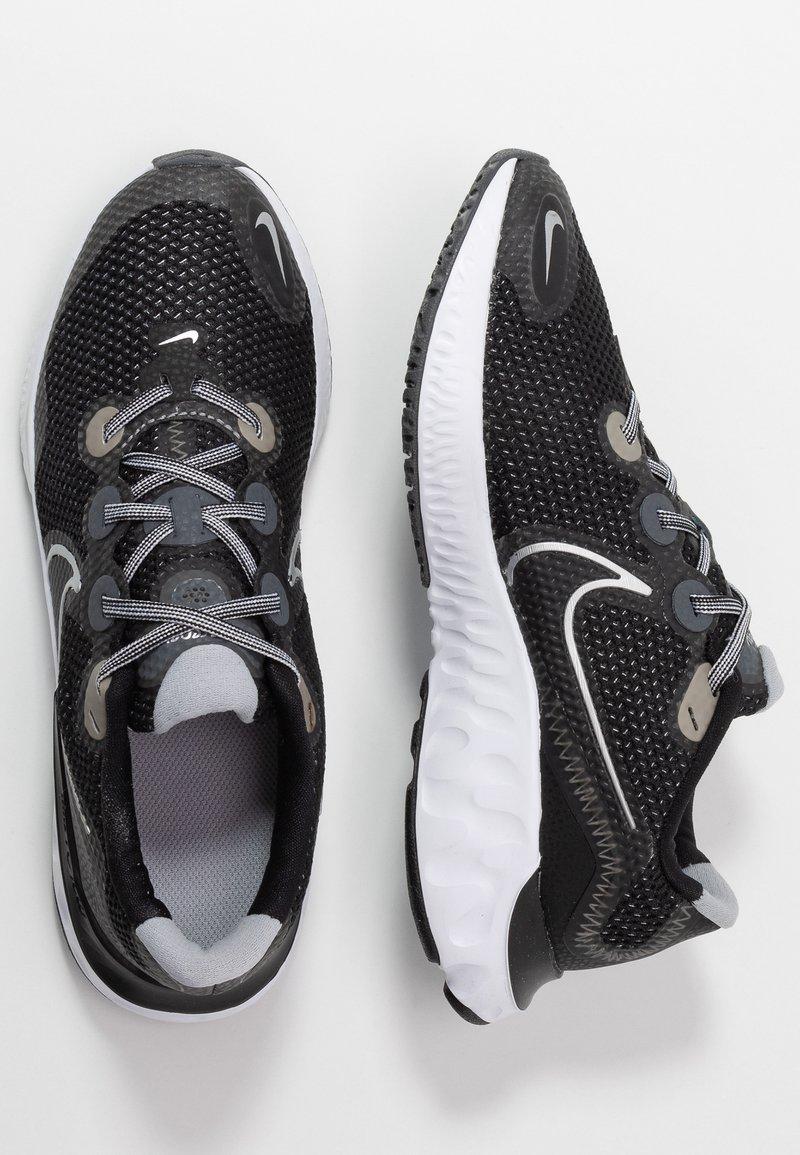 Nike Performance - RENEW RUN - Zapatillas de running neutras - black/metallic silver/white/wolf grey