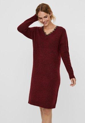 VMIVA - Abito in maglia - cabernet