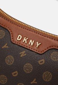 DKNY - POLLY HOBO LOGO - Handbag - bark/caramel - 4