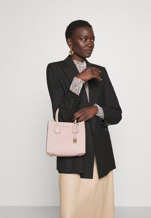 MERCER MESSENGER - Handbag - soft pink